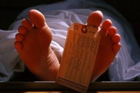 Тело петербуржца нашли в квартире среди кучи фаллоимитаторов