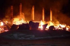Шесть человек, в том числе двое детей, сгорели в деревянном доме в Карелии