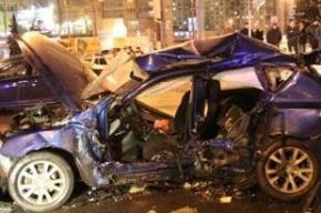 ДТП на юге Москвы: столкнулись пять машин, один человек погиб