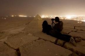 Россияне забрались на пирамиду Хеопса, спрятавшись от охраны в гробнице