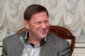 Смольный выдвинул свою кандидатуру в почетные граждане Петербурга