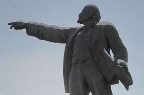 В Якутии сбросили с постамента и разбили чугунного Ленина