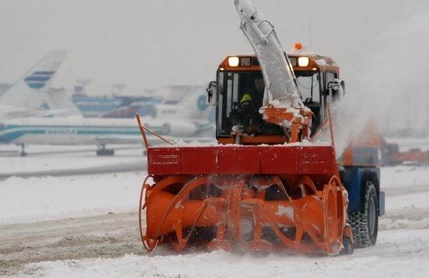 Московские аэропорты работают без задержек, несмотря на снегопад