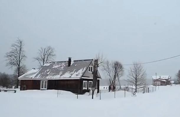 Снегопад отрезал от цивилизации целое село в Подмосковье
