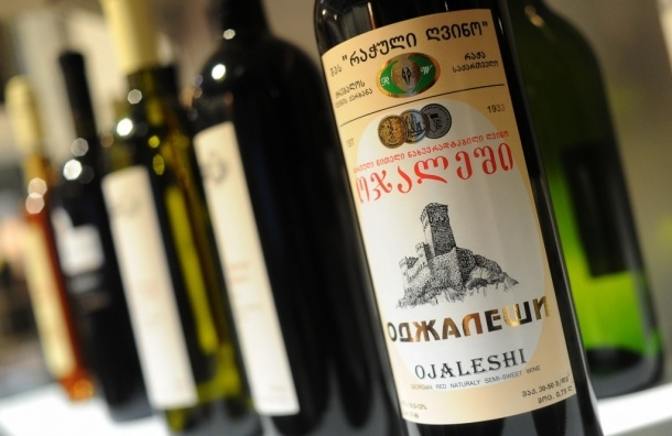 Онищенко разрешил двум грузинским производителям поставлять вино в Россию