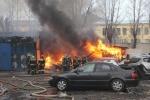 Сгорел автосервис на Днепропетровской улице: Фоторепортаж
