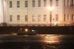 Фоторепортаж: «Буксир врезался в опрору Дворцового моста 19 апреля 2013»