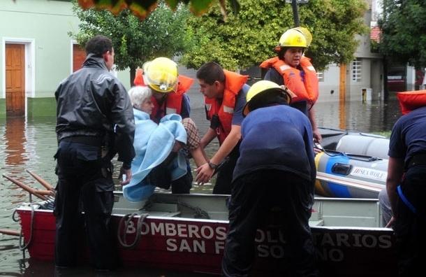 В Аргентине от наводнения погибли уже 54 человека