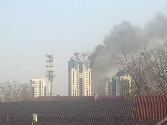 Грозный-Сити горит 3 апреля 2013 года: Фото