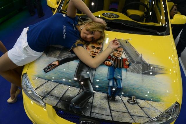 """Новая Лада Калина и дургие авто на выставке """"Мир автомобиля – 2013"""" в Санкт-Петербурге : Фото"""
