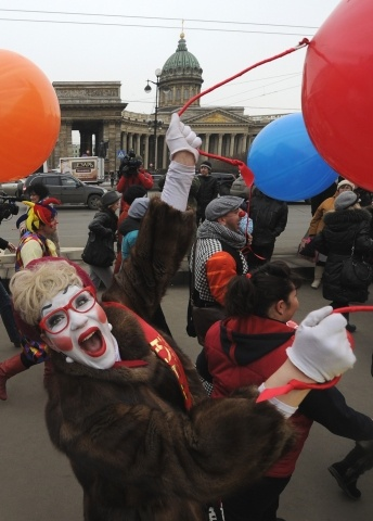 Парад клоунов, День смеха, Невский проспект, 1 апреля 2013: Фото
