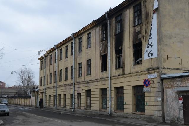 В Петербурге подожгли мини-отель на Балтийской улице, 29: Фото