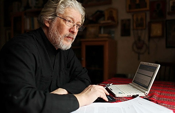 «В соцсетях спасения не происходит». Священники покидают Facebook и ВК