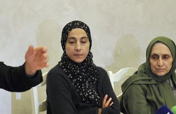 ФСБ передала ФБР записи прослушки матери Царнаевых: говорила о джихаде