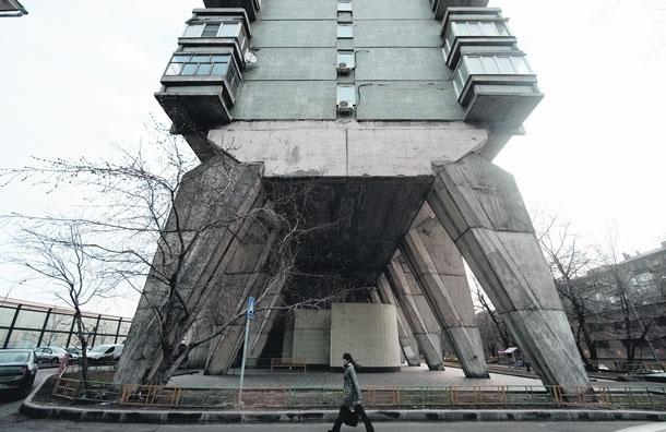 Энциклопедия «Моего района»: Дом на ножках