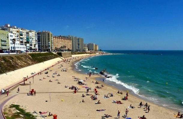 Испанские пляжи закрыли из-за нашествия ядовитых медуз