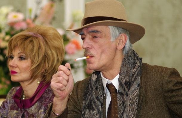 Пора-пора-порадуемся! Михаил Боярский будет бороться за права курильщиков