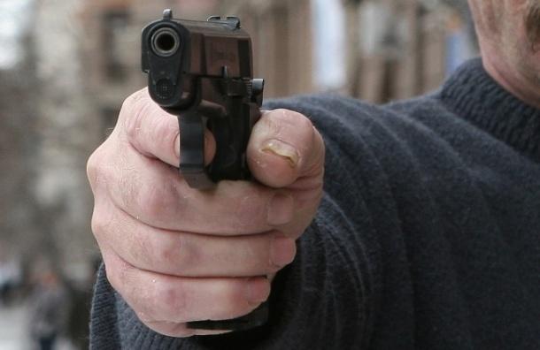 Устроив ДТП со стрельбой, неизвестные похитили 200 тысяч рублей