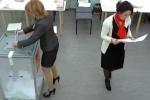 Новые видеодоказательства вбросов на президентских выборах в Петербурге