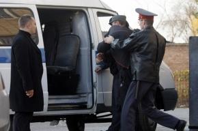 В Петербурге полицейские конвоиры «потеряли» грабителя по пути в суд