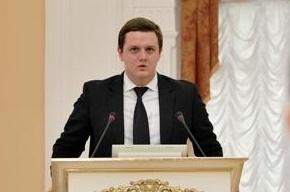 Экс-глава молодежного комитета накрыл стол в Смольном и уходит в сухопутные войска