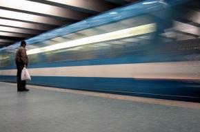 В петербургском метро запускают ночные поезда