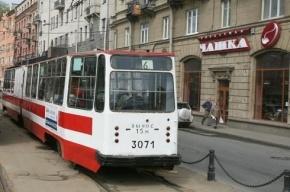 В Невском районе школьник попал под трамвай