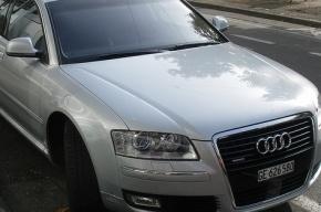 Смольный покупает лимузины по 3,5 млн рублей, несмотря на запрет Полтавченко