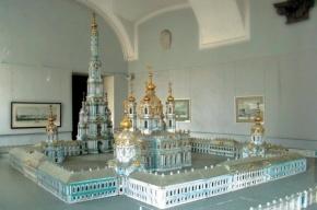 Колокольню Смольного собора решили достроить за Растрелли