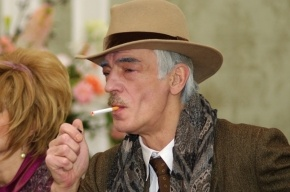 Михаил Боярский возглавил движение за права курильщиков