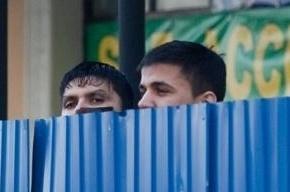 Ко Дню города в Петербурге уберут забор у Апраксина двора со стороны Садовой улицы