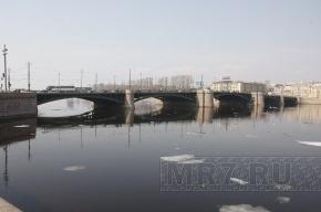 Тучков и Биржевой мосты будут разводить на час раньше из-за ремонта Дворцового