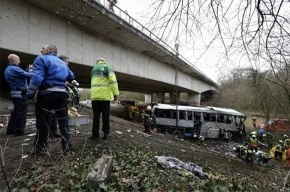 Петербурженка погибла после падения автобуса с моста в Бельгии