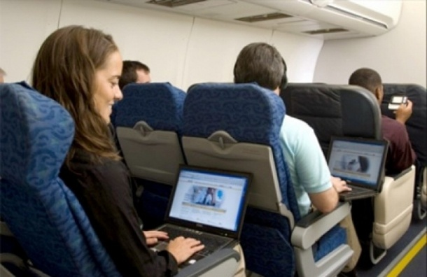 Интернет в самолетах, летящих над Россией, станет дешевле