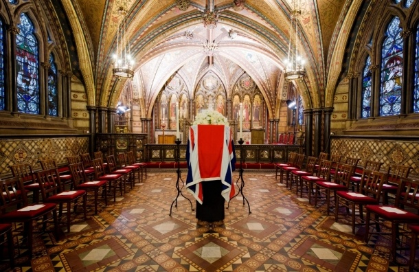 В Лондоне начались похороны