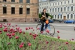 Депутат Ольга Галкина на велосипеде: Фоторепортаж