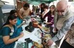 Фоторепортаж: «Красочный индийский базар в посольстве Индии»