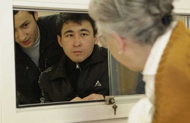 Около трех тысяч иностранцев зарегистрировал петербуржец в своей квартире