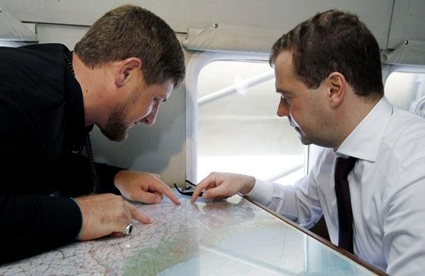 Кого больше любят социальные сети - Медведева или Кадырова?