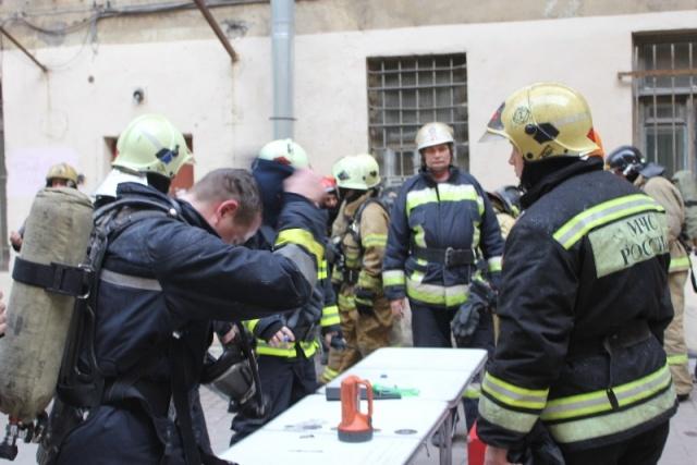Пожар на Петроградской стороне: Фото