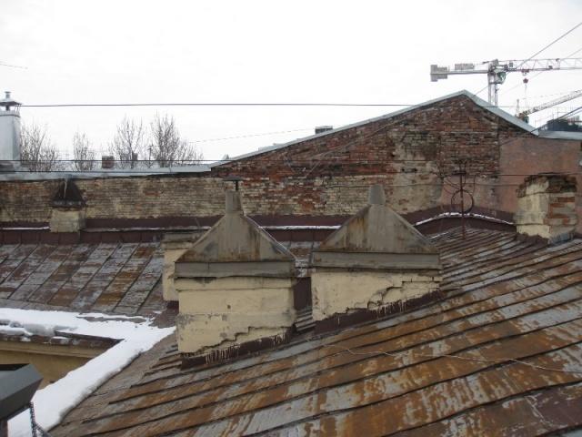 Крыша дома № 9 по улице Восстания: Фото