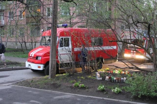 На Новочеркасском проспекте обрушился балкон: Фото