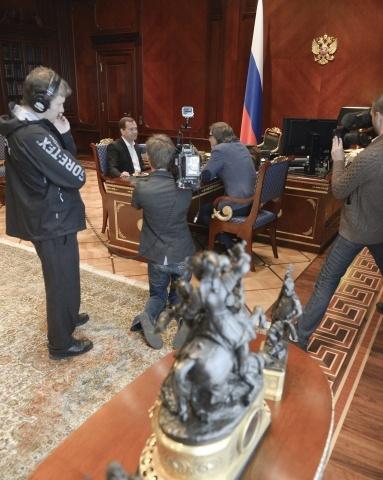 Медведев в программе Центральное Телевидение: Фото