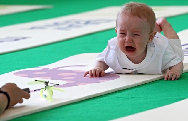 """""""Забег в ползунках"""" на Фестивале младенцев в Сокольниках: Фото"""
