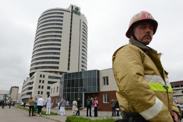 В Петербурге из-за землетрясения в Охотском море 24 мая 2013 зашатался дом : Фото