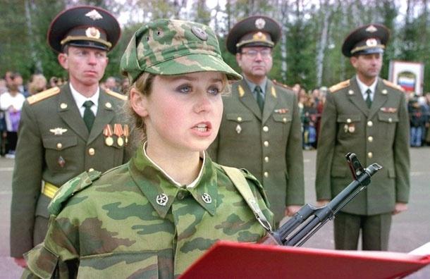 Догоним Израиль? Госдума предлагает разрешить военную службу женщинам