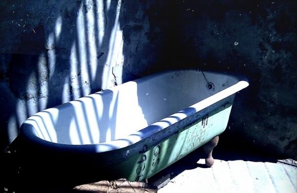 В ванной петербургской коммуналки утонула 12-летняя девочка