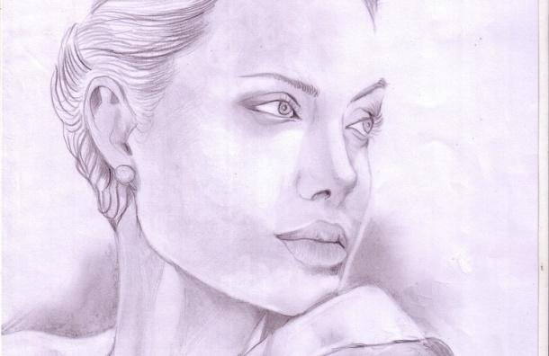 Анджелина Джоли удалила молочные железы: операция поможет ей избежать рака