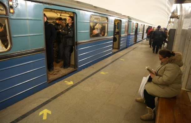 Новые схемы метро начнут расклеивать на Сокольнической линии