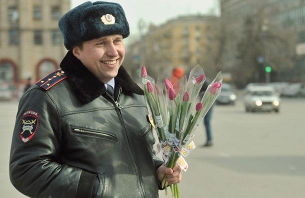 В регистрационно-экзаменационных подразделениях ГИБДД Москвы вводят сотрудников-консультантов